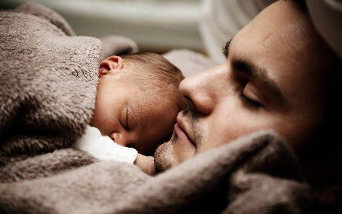 Kreißsaalverbot Väter Begleitperson Corona