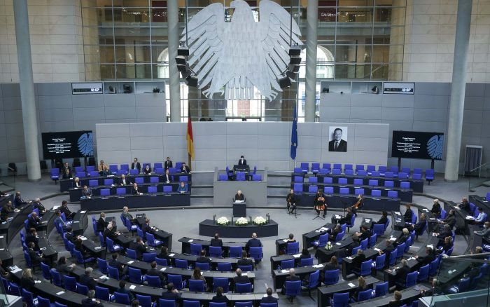 Bundestag Reformen Geburtshilfe