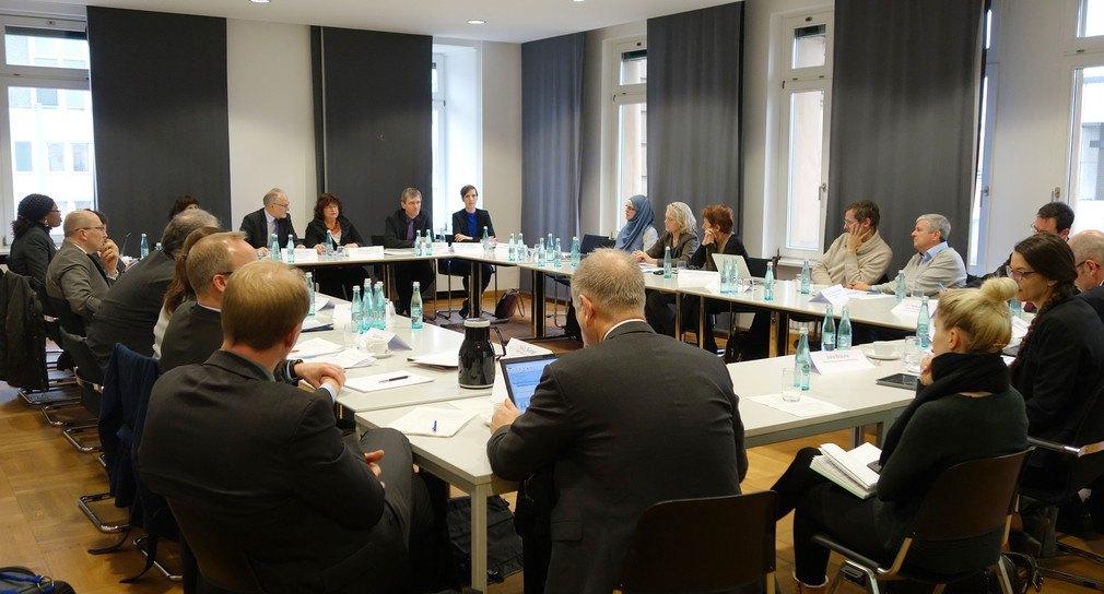 Runder Tisch Geburtshilfe Baden-Württemberg (c) Ministerium für Soziales und Integration